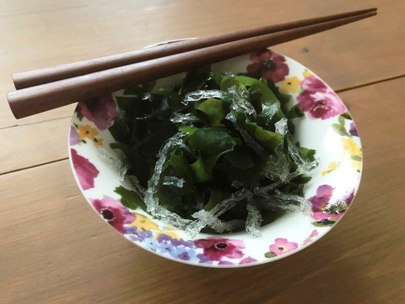 潰瘍性大腸炎の食事のわかめと寒天のサラダ